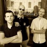 Морэ&Рэльсы представили концертное видео на песню Идём по улице с братом
