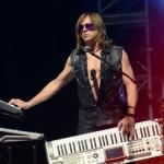 Гастрольный участник Guns N' Roses отвергает воссоединение, как способ наживы