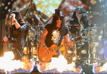 Slash & Myles Kennedy & Simon Neil - Crazy Train (Live @ MTV EMA '2014)