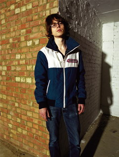 Tom Vek - Великобритания
