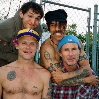 Red Hot Chili Peppers выступят на фестивале  Park Live  2016  в Москве