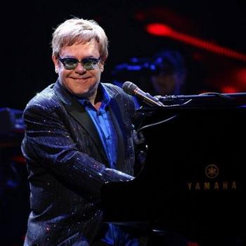 Элтон Джон презентует в России новый альбом  Wonderful Crazy Night